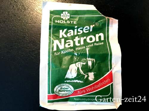 Natron als Hausmittel gegen Unkraut