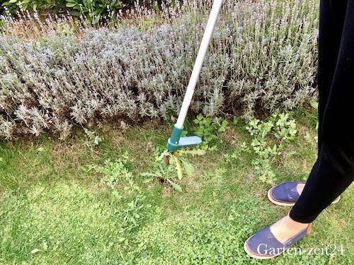 Unkrautentferner hinterlässt Loch im Rasen