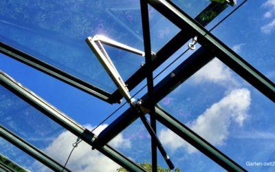 Automatischer Fensteröffner fürs Gewächshaus – Hohe Temperaturen vermeiden!